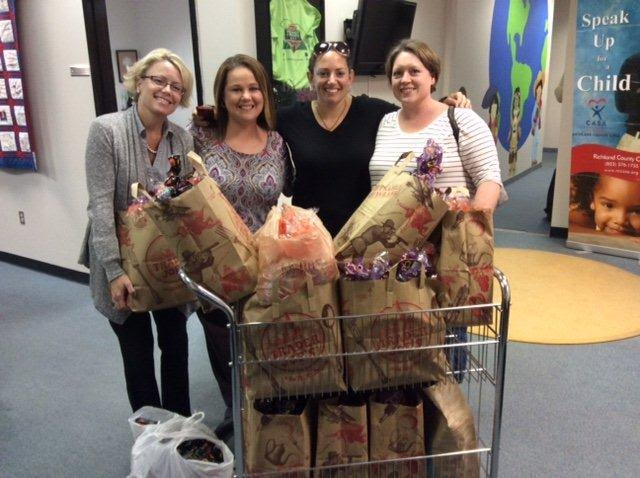 Kappa Alpha Theta delivers Halloween treats to CASA Kids
