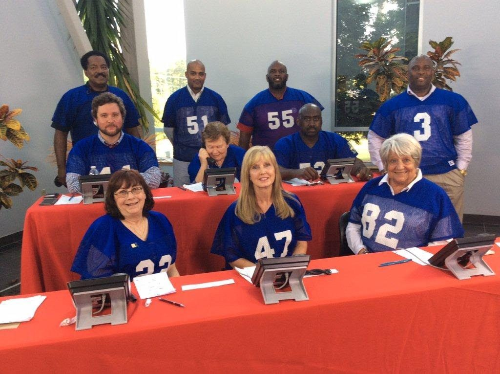 WLTX sponsors Phone Bank for volunteer recruitment